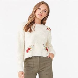 NWT FOREVER 21 CHUNKY FLORAL EMBROIDERED SWEATER M